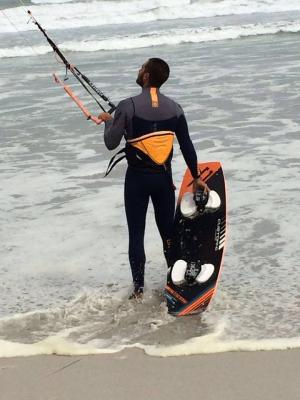 Coastline kitesurfing